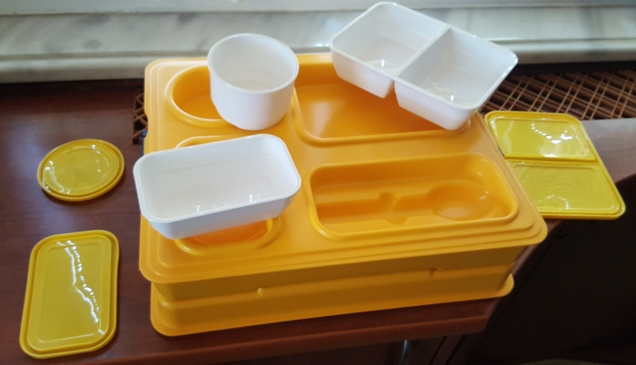 Термоподнос с замком и комплектом посуды с крышками Menu Mobile - 6
