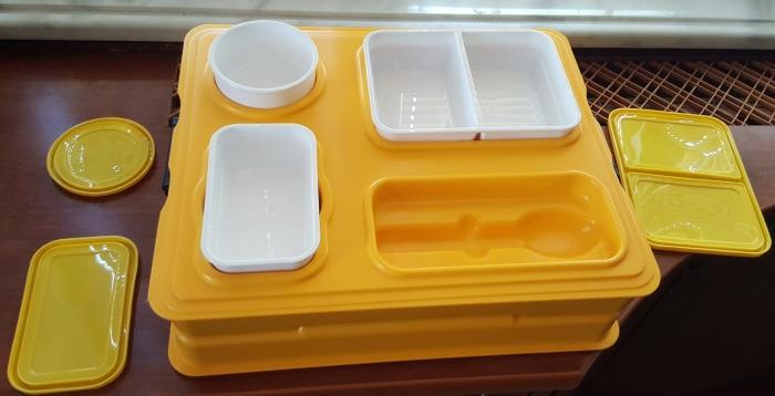 Термоподнос с замком и комплектом посуды с крышками Menu Mobile - 5